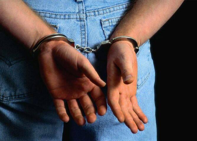 توقيف مطلوبين مخدرات وسرقة