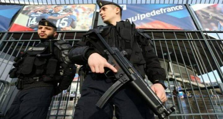 القبض على متطرّف قرب قاعدة عسكريّة فرنسيّة