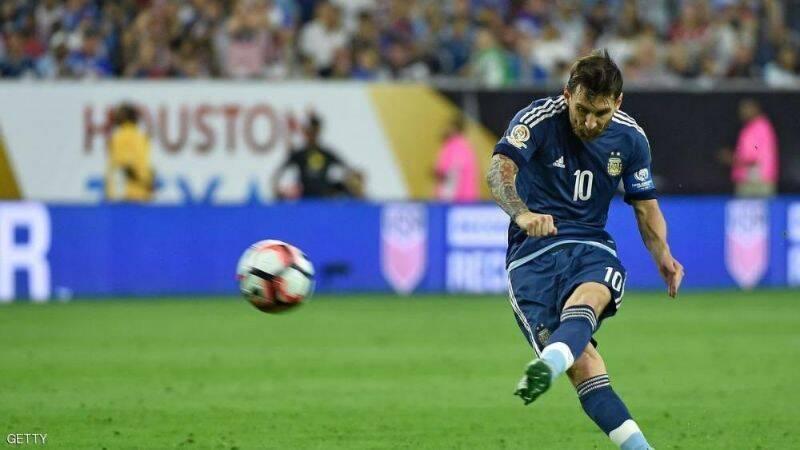 ميسي يسجل هدف للأرجنتين في مرمى أميركا