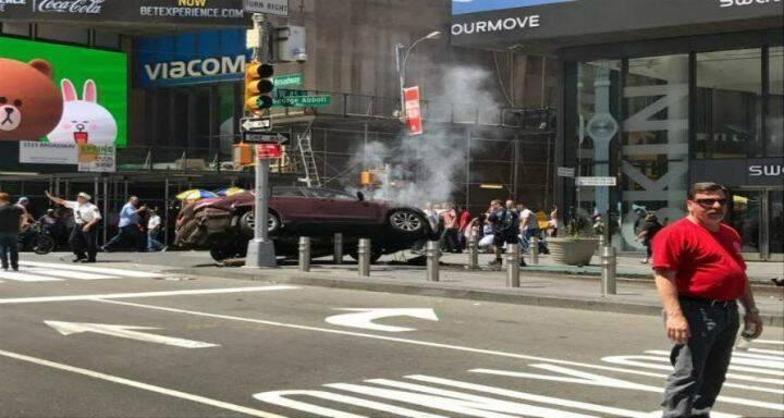 عمدة نيويورك: سائق السيارة أميركي وجندي سابق وهو رهن الاعتقال حاليا