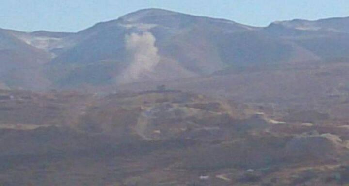 الطيران السوري يقصف مواقع المسلحين في جرود عرسال والجيش اللبناني يقفل الحدود بين عرسال وجرودها