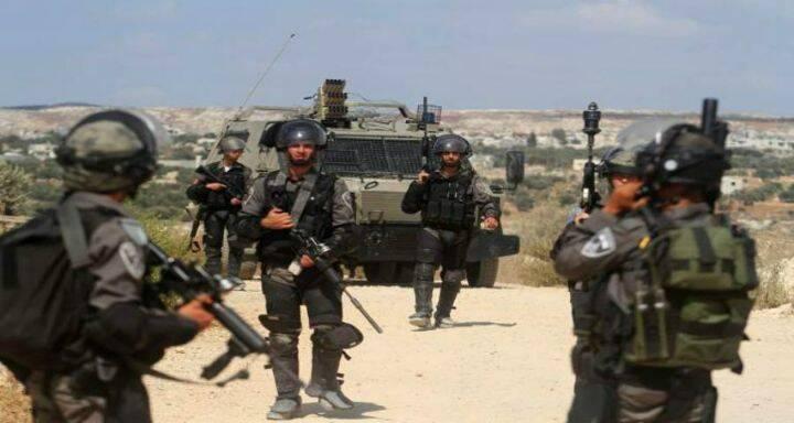 القوات الآسرائيلي تعتقل 10 فلسطينيين من أنحاء الضفة الغربية والقدس