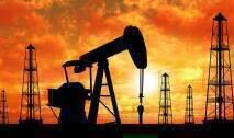 تراجعت أسعار النفط في التعاملات الآسيوية مع تأجج المخاوف من تخمة