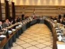 أوضحت قناة المنار ان بند الهبة الايرانية سيطرح على جدول اعمال مجلس