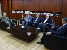 استقبل قائد الجيش العماد جان قهوجي في مكتبه في اليرزة ظهر اليوم،