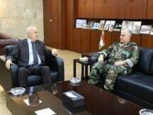 تفقد وزير الدفاع سمير مقبل وقائد الجيش العماد جان قهوجي، مواقع