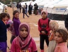 على مدى ثلاثة أعوام وأكثر يرزح السوريون تحت وطأة الحرب الدائرة في