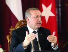 أعلن الرئيس التركي رجب طيب إردوغان انه لا يزال يعتزم زيارة إيران