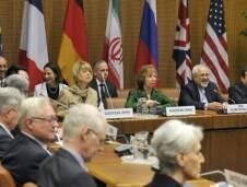 دخلت المحادثات بين إيران والقوى الست في فيينا أمس، مساحة الشياطين،