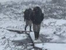 جاء الشتاء , و أنعش المطر قلوب اللبنانيين الذين انتظروه طويلا , و تراكمت الثلوج على قمم الجبال فازداد اللبنانيون اطمئنانا بأنهم لن يعطشوا هذا العام و غاب شبح الجفاف عن ابارهم و اراضيهم , لكن ما يشغل بال اللبنانيين في ظل هذا