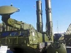 عرضت روسيا لإيران، منظومة الدفاع الصاروخية المتطورة أنتي 2500 بدل إس 300 التي امتنعت عن تقديمها في العام 2010 بقرار من الرئيس ديمتري ميدفيدف، الذي استند في بيانه إلى القرار الأممي بحظر بيع الأسلحة لإيران. وبعد صدور ذاك القر