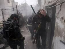 إن معركة سوريا مرتبطة بلبنان إرتباطاً عضوياً ، ويسقط بها العديد من الشبان ، وللشمال حصته ، غير أن بعض أهالي طرابلس يتخوفون من تعليق صور أبنائهم ، الذين يسقطون في سوريا ، حتى لا تصنف المنطقة كداعمة لتنظيم داعش ، وتثبت