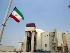 هناك أربعة مواضيع للخلاف بين إيران والدول الخمس زائد واحد ، يحاول كل من الطرفين حلحلتها تمهيداً للوصول إلى الإتفاقية النووية، وهي عبارة عن إزالة العقوبات ومدة تقييد الأنشطة النووية ، وإستمرار الأبحاث وتنمية الأنشطة في