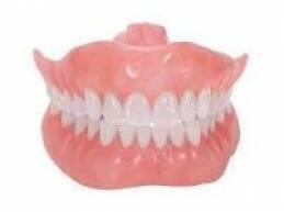 حذر بحث جديد المسنين من النوم وهم يضعون طقم أسنانهم في فهمهم، لأن