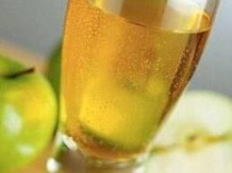 قلة منا هم من يعرفون أن في كوب عصير التفاح الواحد ما لا يقل عن 7