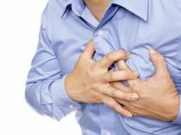 تحدث الأزمة القلبية إثر تضرر عضلات القلب جراء نقص إمداد الدم لها،