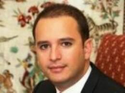 جال محافظ بعلبك - الهرمل بشير خضر يرافقه رئيس قسم الصحة في المحافظة