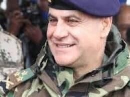 استقبل قائد الجيش العماد جان قهوجي، في مكتبه، في اليرزة، النائب