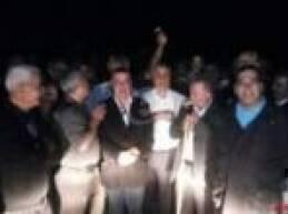قطع اهالي بلدة عين دارة طريق ضهر البيدر احتجاجاً على امكانية نقل