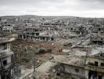 إيران  : الأسد أو تدمير البلد